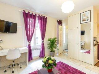 Beautiful studio apartment in the heart of Montmartre