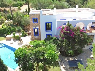 Beautiful Ibizian-Style Villa. Marvellous SeaViews!