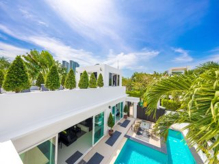 Best Villa in Pattaya with private Pool, Jacuzzi and BBQ