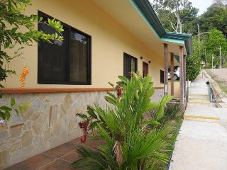 Casa Aloha - Lots of Space! You'll be Impressed! Take a Look. . .