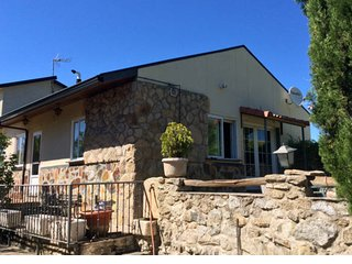 Lovely country  stone house near Segovia. Madrid La Sierra