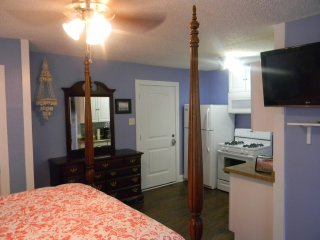 UNIT 8 BUDGET RENTAL 1 BLK TO GREAT BEACH!- PLEASURE PIER