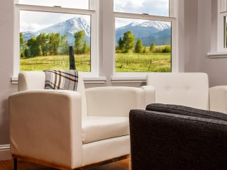 Hillside Colorado Cottages - Cottage 1: Splendid Vista - Pet Free