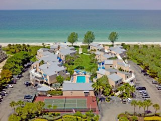 Sand Cay #310 Luxurious 2/2 on the Beach $150.00. RED TIDE IS GONE!