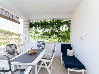 Apartments Mare- Comfort Two Bedroom Apartment with Terrace