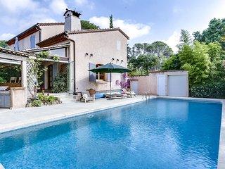 Ravissante villa provencale avec piscine