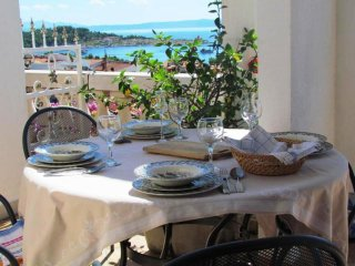Beautiful Vacation Apartment in stone house for 4-5 Persons with seaview