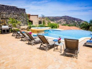 Beautiful Views Of Peninsula Papagayo  Abound,5 Bedrooms, 5.5 Bathrooms,