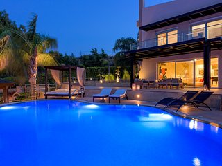 Quinn Hill - Luxury Villa