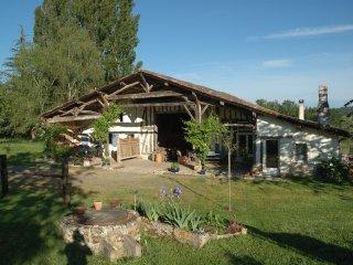 Les Pres de Ponteau: confortable et spacieux gite dans ferme landaise.