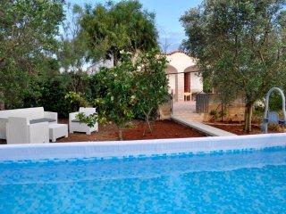 Villa Pesce a Torre Pali con Piscina vista mare