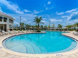 Brand new 7 bedroom pool home in Storey Lake, 10 min from Disney (sleeps 16)!