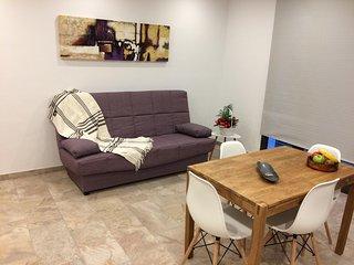 Moderno y centrico apartamento a 60 m de la playa (HUTG 027054)