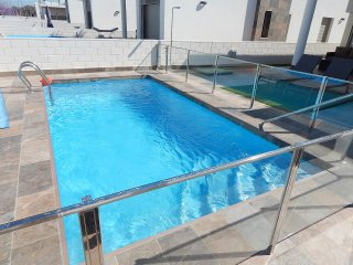 3 bed detached villa with private pool, 12 minute walk to Villamartin Plaza