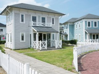House 66 m from the center of Hellevoetsluis with Internet, Garden (70335)