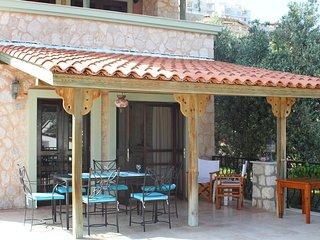 Moonlight Villa Private Pool, Free WiFi, Full Aircon, 10 mins Walk to Amenities