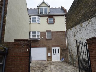 CONTEMPORARY HOLIDAY HOME IN MARGATE OLD TOWN