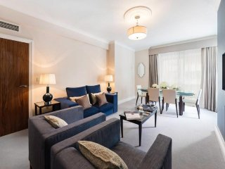 Newly refurbished One Bedroom Apartment on the side of Green Park