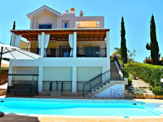 100m to Latchi Blue Flag Beach - Luxury Villa - Private Pool - Sea Views - Wifi
