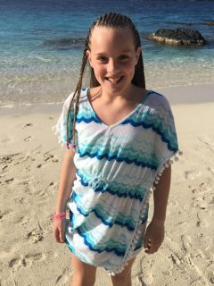 Braids and more local attractions at Coki Beach, 10 minute walk