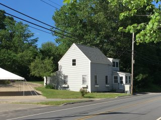 Newly Renovated 3 Bdrm House, walking distance to beach in beautiful Saco, ME