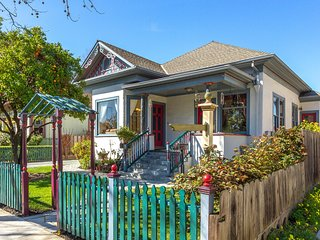 Historic Campbell~~~ Victorian Painted Lady w/ Mosaic Gardens