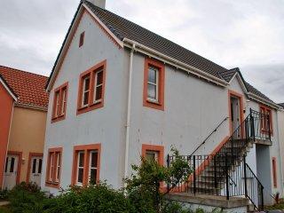 Sea Esta- stylish apartment in coastal location