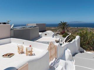Espri Santorini, Modern Cave House for 11
