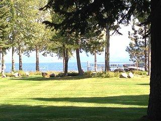 TAHOE LAKEFRONT + Walk to Tahoe City + Pier w/Buoys & Pier Attendant/Pool/Tennis