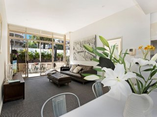 Fabulous apartment in trendy Waterloo - near CBD