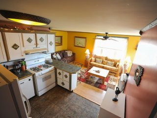 $100 Off July 14-20 Dog Friendly Ocean View Apt B 100 Steps to the BEACH