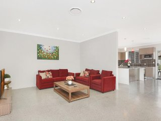 PEARSON VILLA 25A - SYDNEY 6Brdms, Great for groups, Linen provided