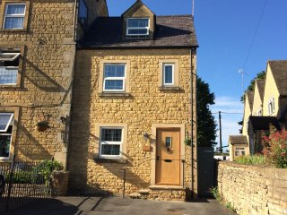 Oakey Cottage, Sleeps 4+Pets, Bourton on the Water