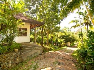 Kumara Luxury Villa, Max 8 - 6 Adults & 2 Children