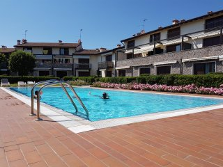 COZY AND LOVELY APARTMENT IN GARDA WITH POOL