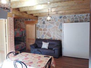 Apartamento rural con patio y BBQ para 4 personas cerca de Avila