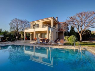 VILLA NIKI(Outdoor toys,WI-FI, PRV SWIM.POOL,VIEW)