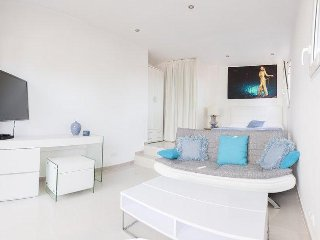 Entire Level Master Bedroom with Ocean View in Modern Villa