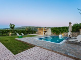 Villa Nefeli, countryside living!