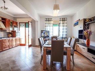 Sorrento Appartamento Orazio, walking distance to town, private balcony