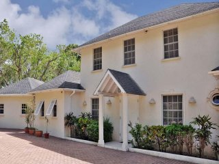 4BR Sandy Lane Villa+cook+pool+beach club