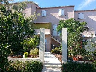 Confortable, calme, rez-de-villa 6 pers proche de la mer, d'Ajaccio et Porticcio