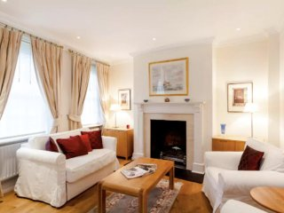 Lovely Mayfair Mews House sleeps 2