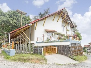 Verdant 3-BR bungalow, 1.7 km from Madikeri Fort