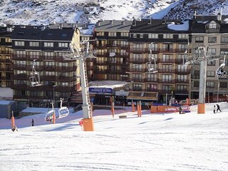 Bel Appartement 5 pers.au pied des pistes de ski du PAS DE LA CASE.