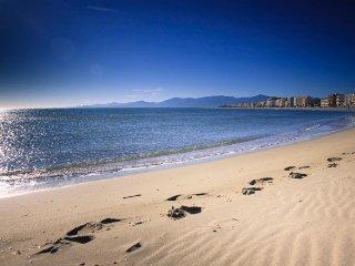 T2 idéalement placé a 30 m de la plage