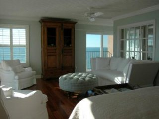 Spectacular Gulf Front Luxury Condo with Amazing Views!
