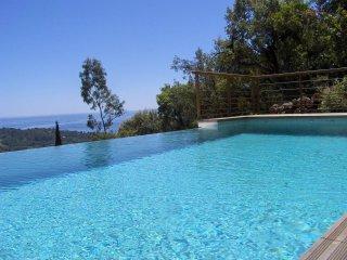 Duplex 1 chambre, avec piscine & vue mer imprenable dans le domaine de Barbigoua