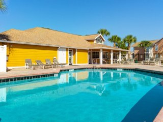 VILLAS AT SWEETWATER CLUB RESORT~ 2 BD CONDO ~ FULL KITCHEN/BALCONY/CLUBHOUSE