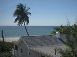 Estero Sands Gulf View Beachfront 2 BR/2 BA Condo Fort Myers Beach Wkly Rental